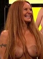 Jackie nackt Freed Carly Simon