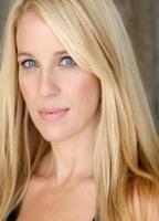 Leigh willis nackt alicia Mia Kirshner