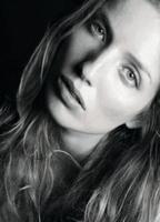 Annabelle Wallis's Image