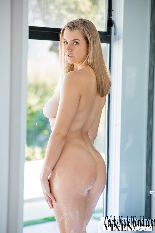 Mia Naked