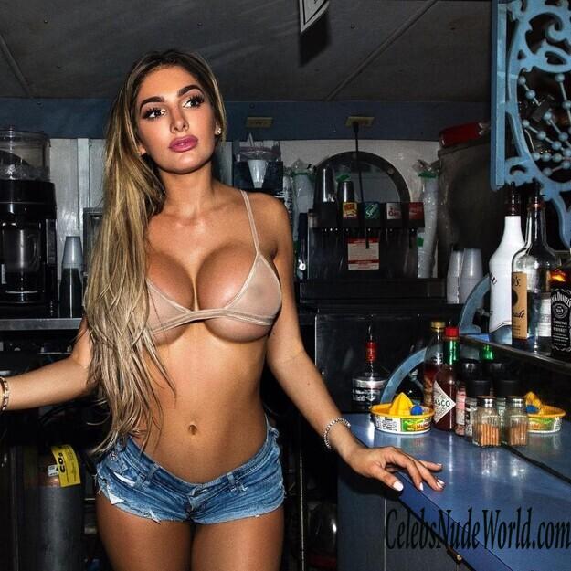 Lyna Perez Nude