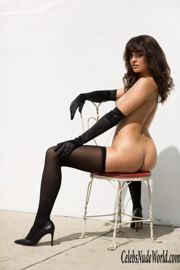 Nude nina daniele Nina Daniele