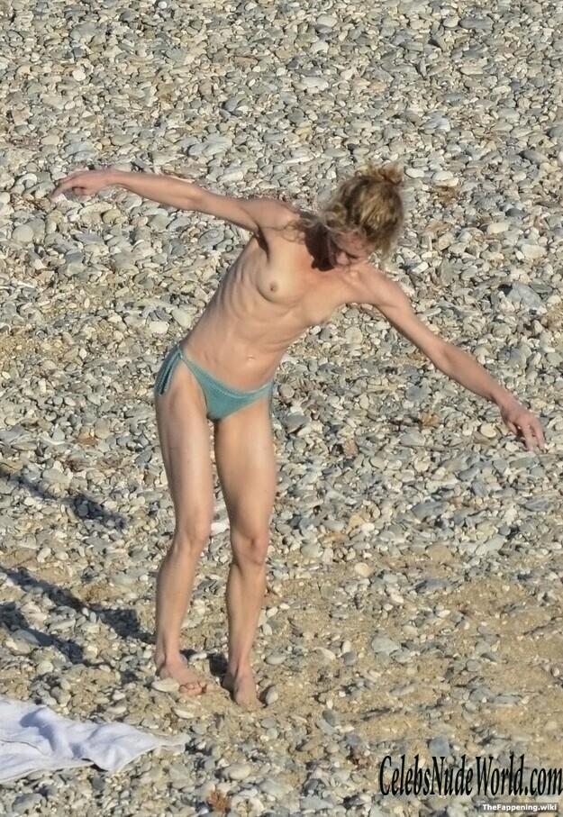Vanessa Paradis Nude
