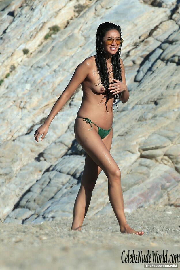 Shay Nude