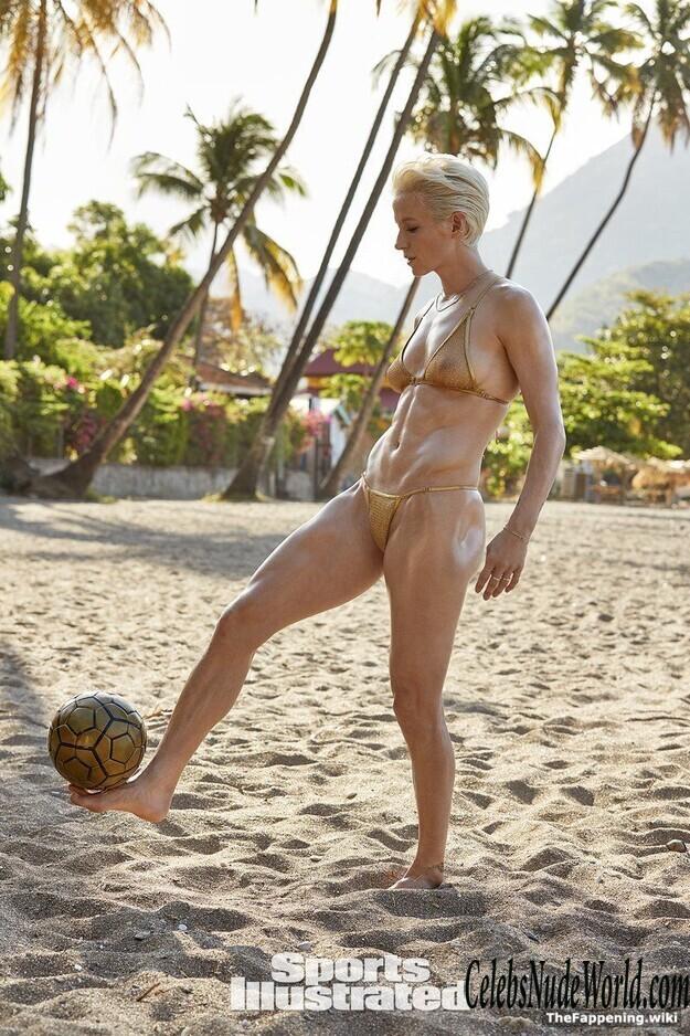 Rapinoe Nude