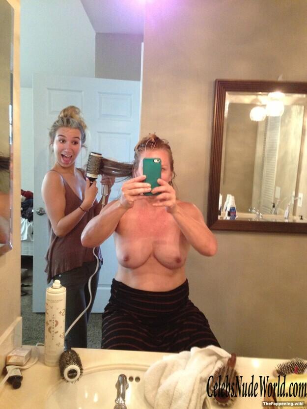 Mccarthy nude jenny Jenny McCarthy