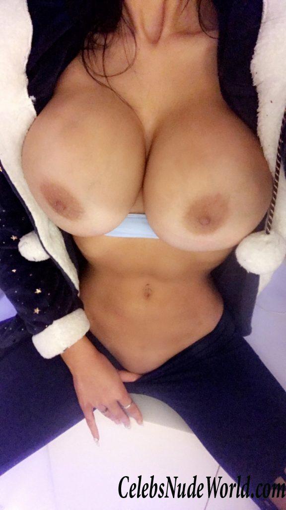 Chloe Khan Nude