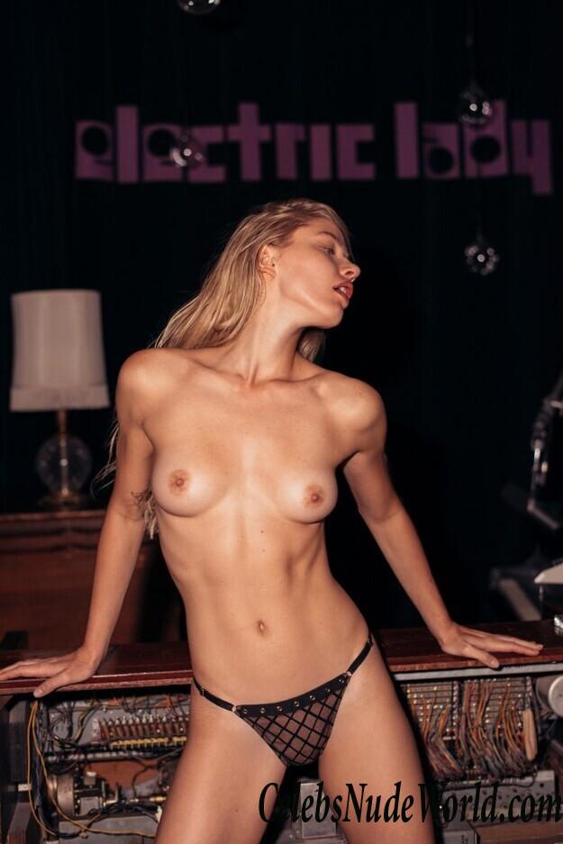 Daria Savishkina Nude