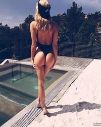 Kate Compton  nackt
