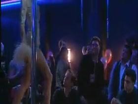 Striptease en el Blue Iguana (2)