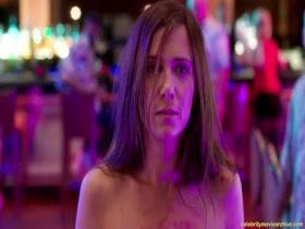 Kristen Wiig - Welcome to Me - 2