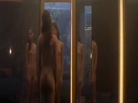 Alicia Vikander im Kleiderschrank der Zukunft