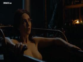 Van nackt Rebecca Cleave  Rebecca Van