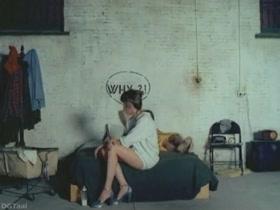 Abigail Clayton Bye Bye Monkey 04 Ciao maschio
