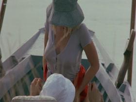Eine heiße Bootsfahrt mit Yuliya