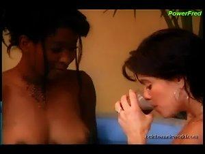 Candace Washington, Mia Zottoli in 7 Lives Xposed (2001) 2
