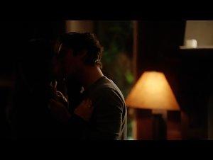 Candice Accola , Nina Dobrev - Vampire Diaries (2009)