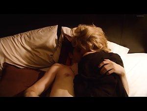 Danielle Cormack , Lisa McCune - Rake (2010)
