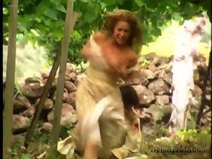 Danielle Winits - O Quinto dos Infernos (2002)