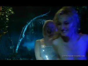 Eliza Borecka , Katarzyna Zelnik , Sonja Karina - Abducted by the Daleks (2005)