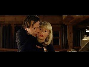 Karin Viard - L'amour est un crime parfait (2013)