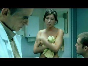 Laura Smet , Marie Denarnaud - Les corps impatients (2003)