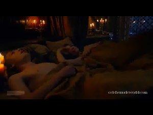 Natalie Dormer , Unknown Girls - Game of Thrones (2011)