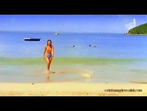 Vanessa Gravina - Les gens en maillot de bain ne sont pas (forcement) superficiels (2001)