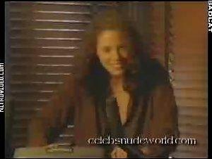 Elizabeth Berkley - Any Given Sunday (1999) 2