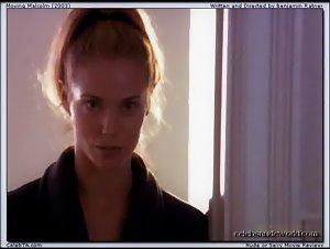 Elizabeth Berkley - Moving Malcolm (2003)