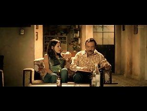 Elizabeth Cervantes , Unknown Girl - El infierno (2010)
