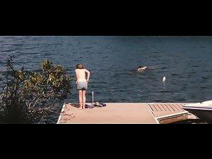 Elizabeth Olsen - Martha Marcy May Marlene (2011)