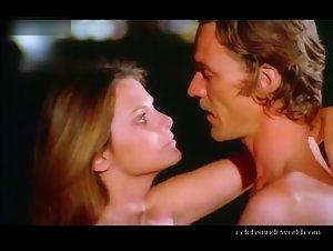 Elizabeth Turner , Silvia Dionisio - Una ondata di piacere (1975)