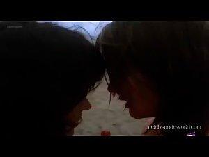 Francoise Givernaud , Veronica Miriel - Le c... de Marilyne (1980)