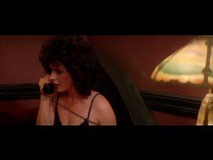 Isabella Rossellini - Blue Velvet (1986) 2