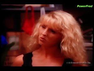 Isabelle Fortea, Joan Gerardi in Bikini Bistro (1995)