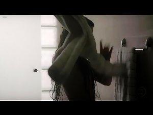 Isis Valverde - O Canto da Sereia (2013)