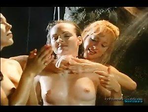 Janet Tracy Keijser, Jennifer Bergeron, Stacey DeSimone in Hidden Beauties (1999) 2