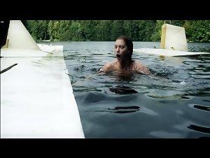 Lauren Lee Smith - Hindenburg (2011)