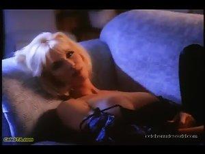 Peggy Trentini in Vampirella (1996)