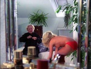 Sex royal tape media