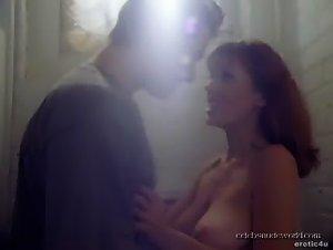 Blake Pickett , Sage Kirkpatrick - Sex Files: Alien Erotica - Director's Cut (1998) 2