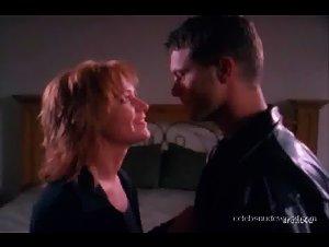 Beverly Lynne - Undercover Sex (2003) 3