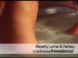 Beverly Lynne , Kelsey Heart - Hotel Erotica (2004)