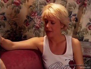 Beverly Lynne , Kennedy Johnston - Genie in a String Bikini (2004)