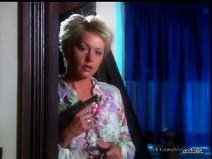 Beverly Lynne , Fallon Pfeifer - Haunting Desires (2006)