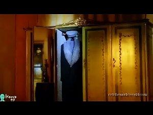 Carole Bouquet - Il cappotto di Astrakan (1979) 2