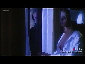 Gloria Guida - L'infermiera di notte (1979)
