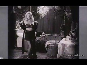 Jemima Rooper , Mia Kirshner - Black Dahlia (2006) 3