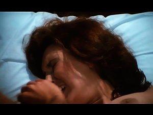 Pilar Alcon - Mil gritos tiene la noche (1982)
